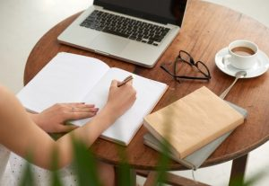 101318I will write essays, articles, assignments and research writing tasks