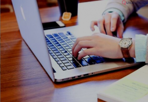 professional writer with experience in copyediting, proofreading and translatio